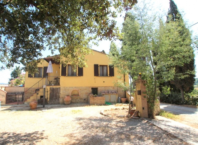 detached house with land near the center of Volterra