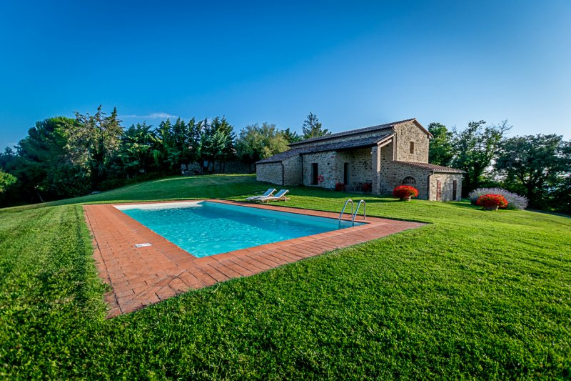 Agriturismo with land ALB-33