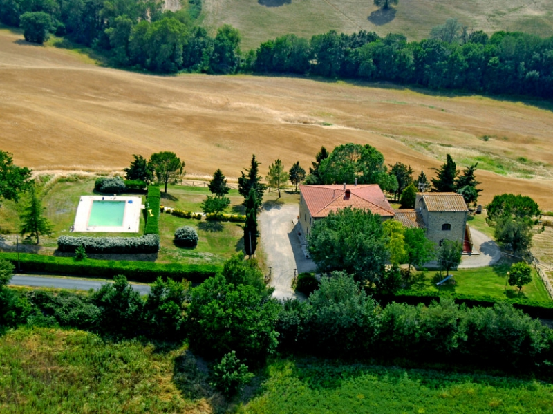 Agriturismo with pool