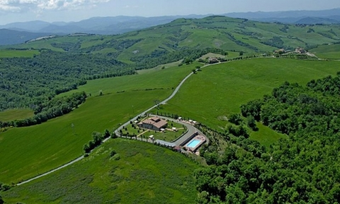 holiday farm house  in Volterra countryside