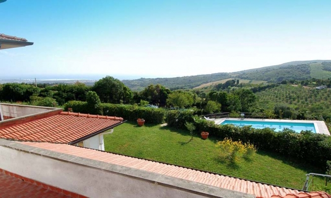 villa boasting an amazing panoramic view over the sea XV-89